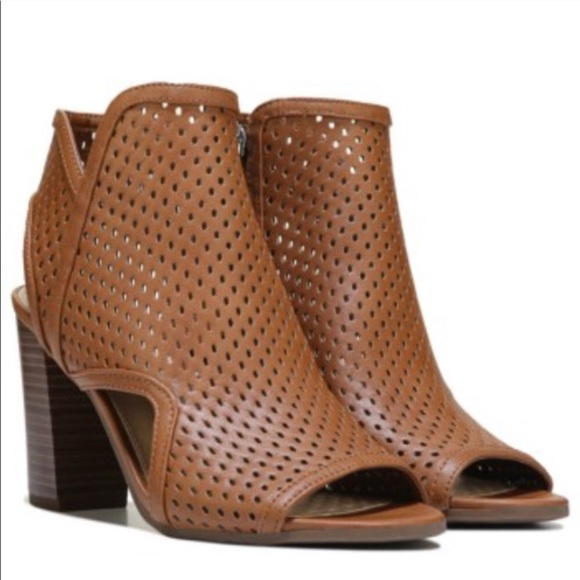 Sam Edelman Circus Emerson Perforated Booties. M 5c59d8b29fe486879f6344eb 0cdeb1a36dd